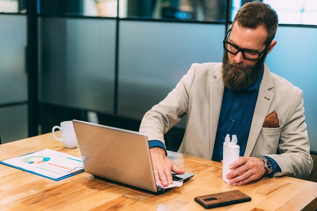 O novo normal: veja os cuidados na hora de voltar ao trabalho em um escritório